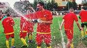 Na płońskim stadionie wystrzeliły szampany. PAF świętuje awans do okręgówki [FOTO]
