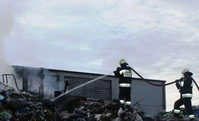 Ostrołęka: Pożar sortowni na ul. Przemysłowej