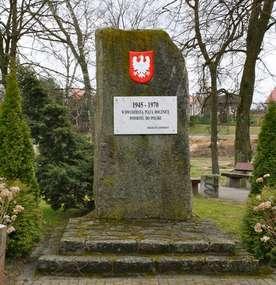 Dźwierzuty: Pomnik poległych z I wojny światowej