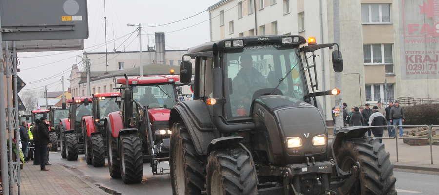 Pomysł wysyłania ciągników od stycznie 2016 do okręgowych stacji diagnostycznych budzi sprzeciw rolników
