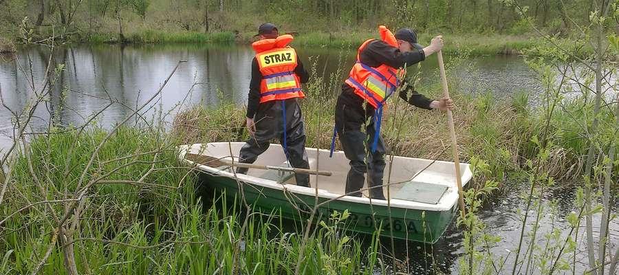 Strażacy poszukiwali Kazimierza Waruszewskiego również na bagnach i mokradłach