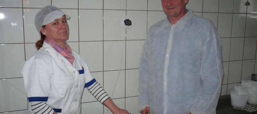 Elżbieta i Tomasz Rachoccy w swojej mini mleczarni