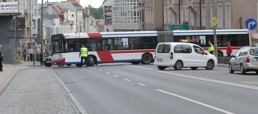 Autobus MPK zablokował ruch na 1 Maja w Olsztynie