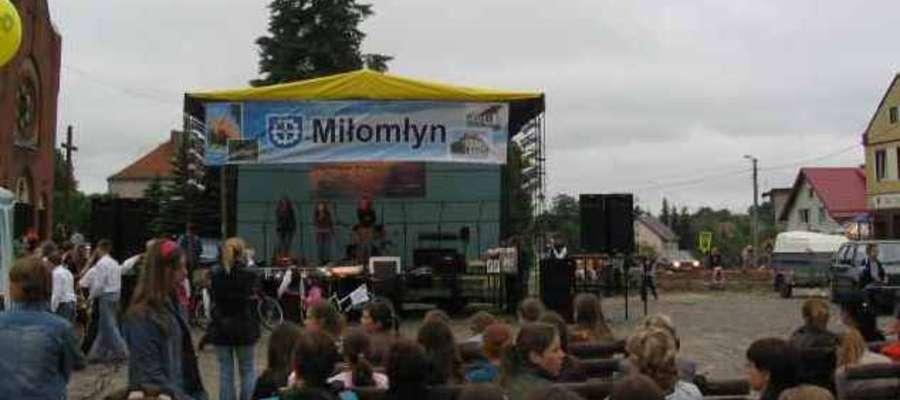 Zagrają i zaśpiewają przy pomoście w Miłomłynie