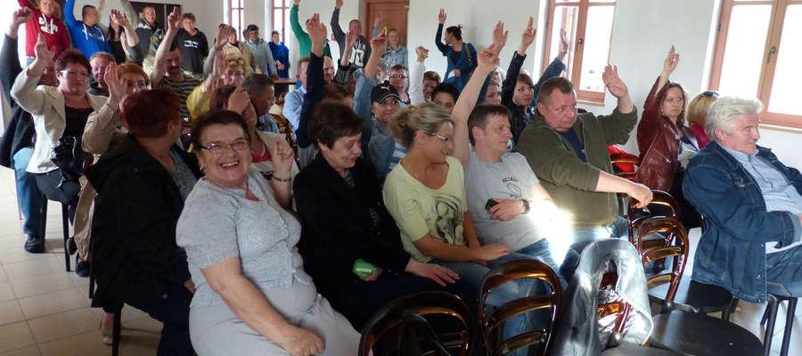 Prawie wszyscy uczestnicy spotkania zagłosowali za wydzierżawieniem części plaży w Suchaczu przedsiębiorcom z Areny Wysokiej