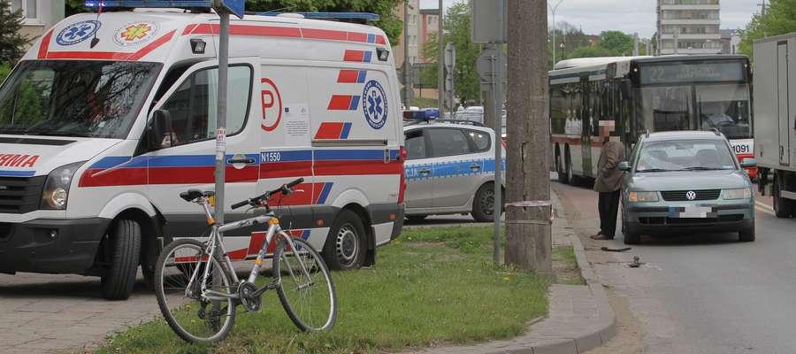 Rowerzysta nieprawidłowo przejeżdżał przez pasy na ul. Dworcowej w Olsztynie