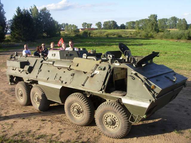 Polsko-radziecki transporter opancerzony Skot - full image
