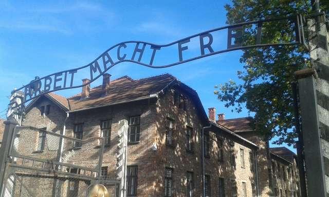 Oświęcim, obóz koncentracyjny - full image