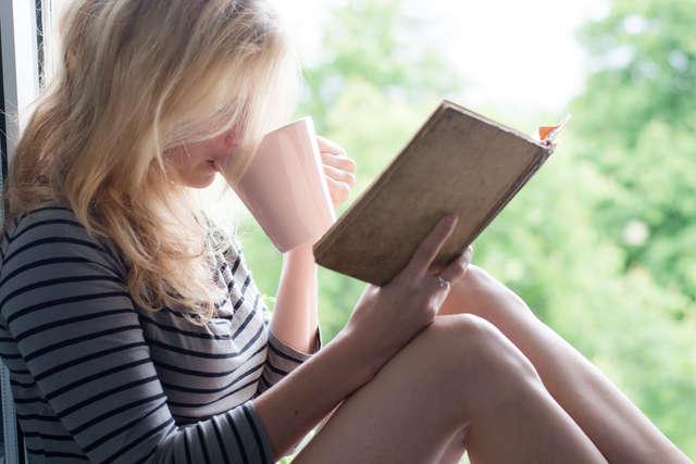Wyjeżdżasz na wakacje? Weź ze sobą książkę! - full image