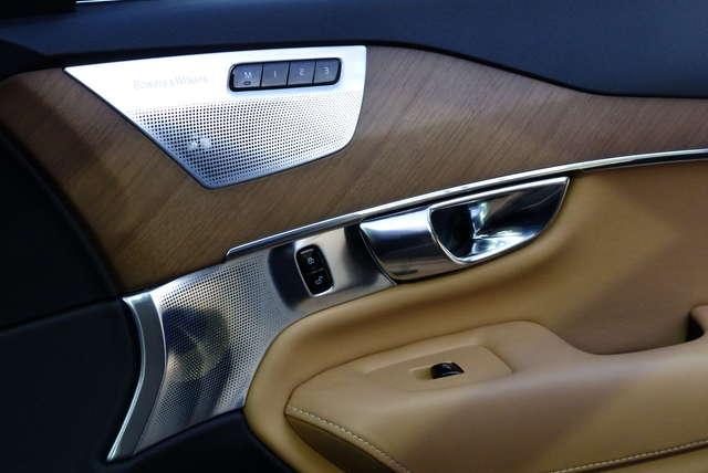 Nowe volvo XC90 ma aż 19 głośników w swoim wnętrzu.