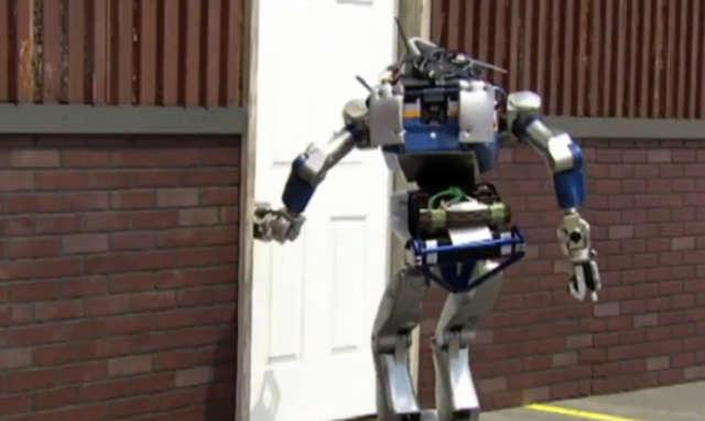 Humanoidy walczyły o tytuł najlepszego robota-ratownika - full image