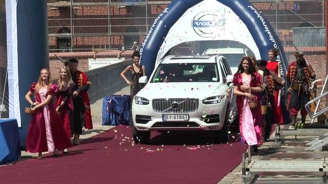 Król z dynastii Volvo o inicjałach XC90  - full image