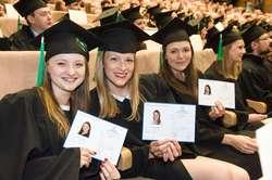 Absolwenci weterynarii już z dyplomami
