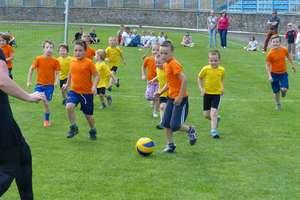 Piłkarskie święto w Iławie — w turnieju oldbojów wygrał Jeziorak, w rozgrywkach dzieci zwyciężyli wszyscy. ZOBACZ ZDJĘCIA