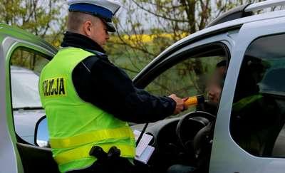 Dzielnicowi wyeliminowali z ruchu pijanego kierowcę