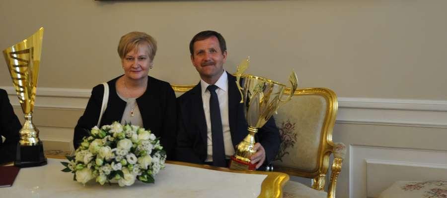 Państwo Korzenieccy 18 czerwca odebrali nagrodę podczas uroczystości w Pałacu Prezydenckim