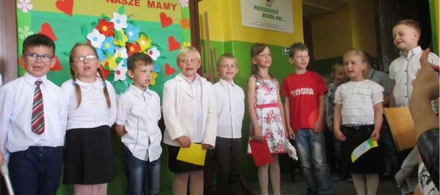 Dzieci wystąpiły dla rodziców w Zajączkowie