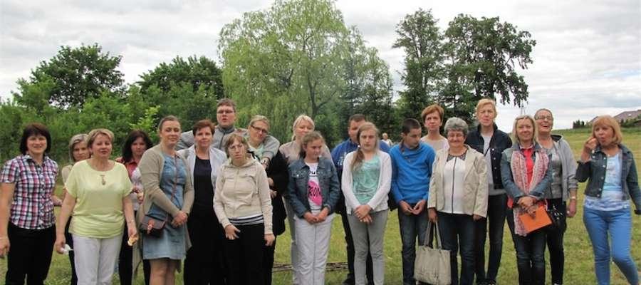 Uczestnicy spotkania na pamiątkowej fotografii