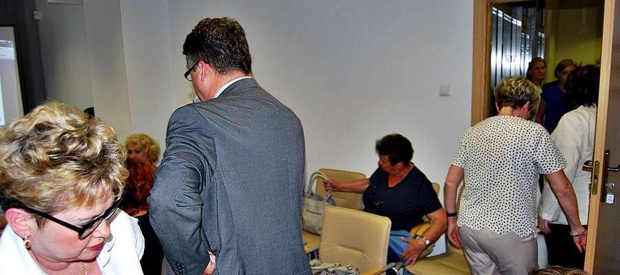 Przemówienie radnego sejmiku województwa mazowieckiego Macieja Wąsika spotkało się z dezaprobatą miejskich urzędników, którzy wyszli z sali za wiceburmistrz Kozerą