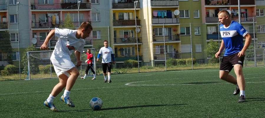 Karol Narojczyk (z lewej) w rozgrywkach MIVA Polska 2015 strzelił aż 25 goli