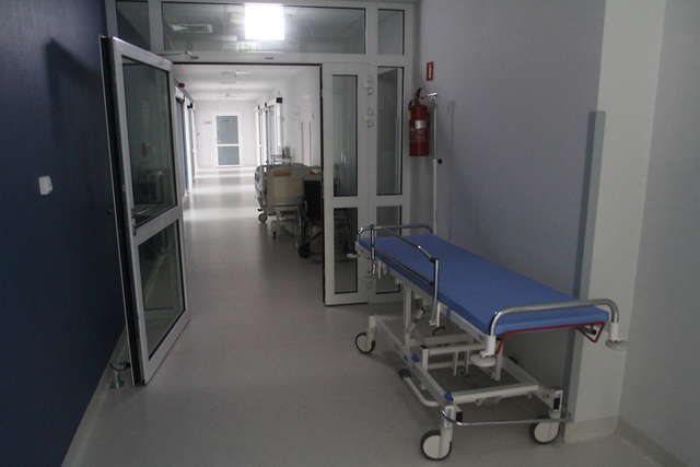 Nowatorska operacja skoliozy w olsztyńskim szpitalu - full image