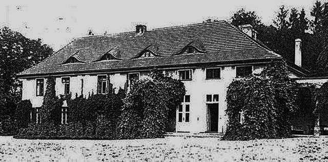 Pałac w Gardzieniu widok od strony Jeziora Stęgwica - full image