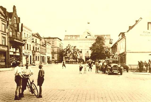 Iławski rynek w okresie międzywojennym - full image