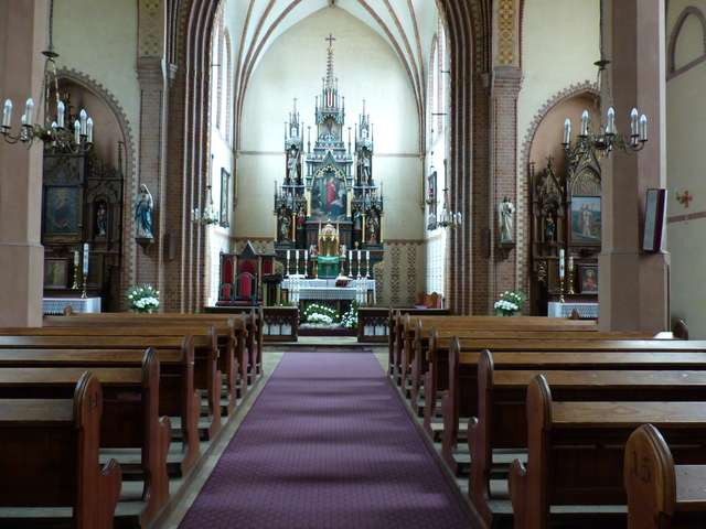 Sanktuarium Świętej Rodziny w Ryjewie  - full image