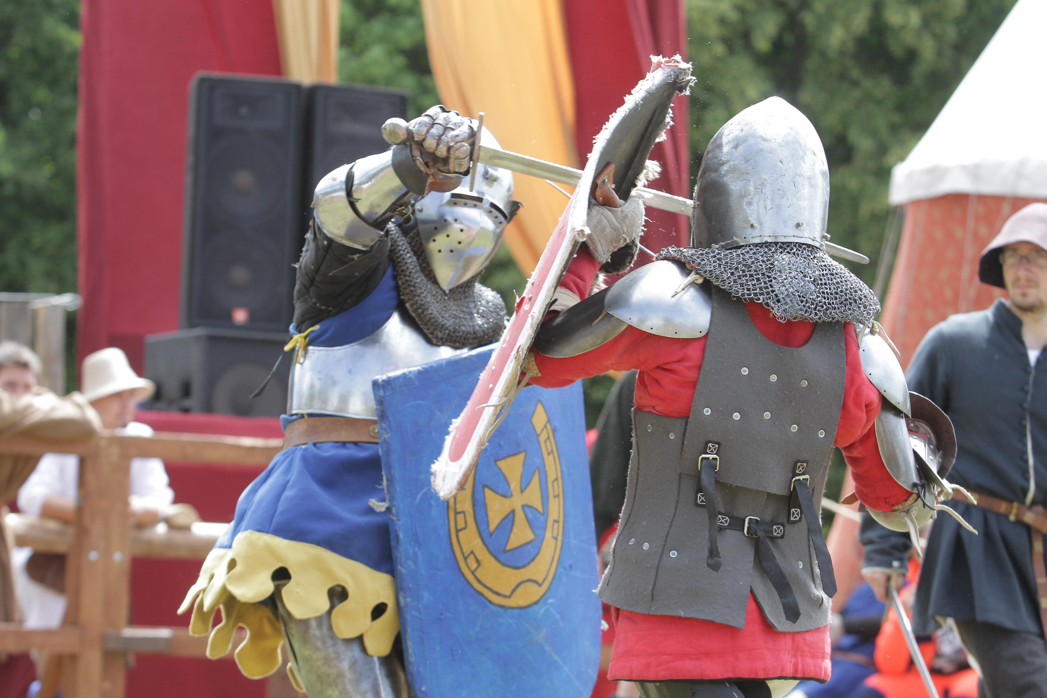 Czy dziś łatwo być rycerzem spod Grunwaldu — walczyć, ale też bronić i pomagać słabszym?