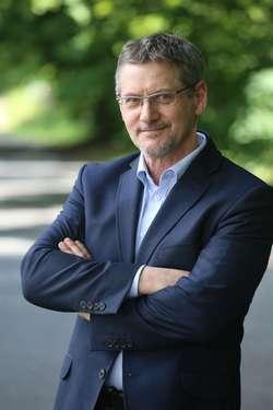 Janusz Cichoń uważa, że podnoszenie kwoty wolnej od podatku jest niekorzystne