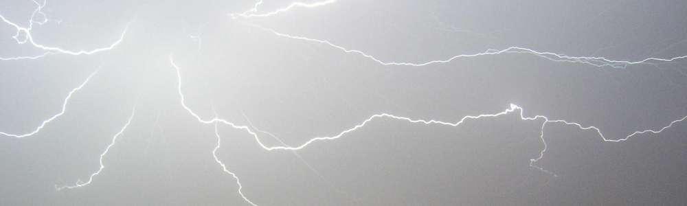 IMGW ostrzega przed burzami z gradem i deszczem