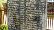 Idzbark: pomnik poległych i resztki cmentarza ewangelickiego