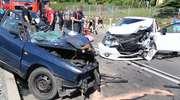 Groźny wypadek na DK 16. Kobieta i starszy mężczyzna są w stanie krytycznym