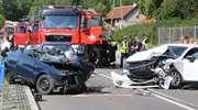 Tragiczny wypadek na DK 16: Kobieta nie żyje. Kierowca audi jest w ciężkim stanie