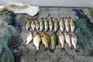 Nielegalnie łowili ryby nad Jeziorem Kiełpińskim
