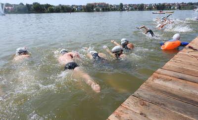 Biegaj, pływaj i pomóż dzieciom