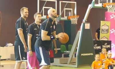 Marcin Gortat trenował z początkującymi koszykarzami