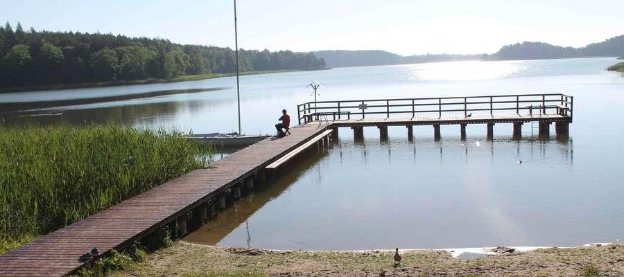 Pomost nad jeziorem Wadąg już gotowy