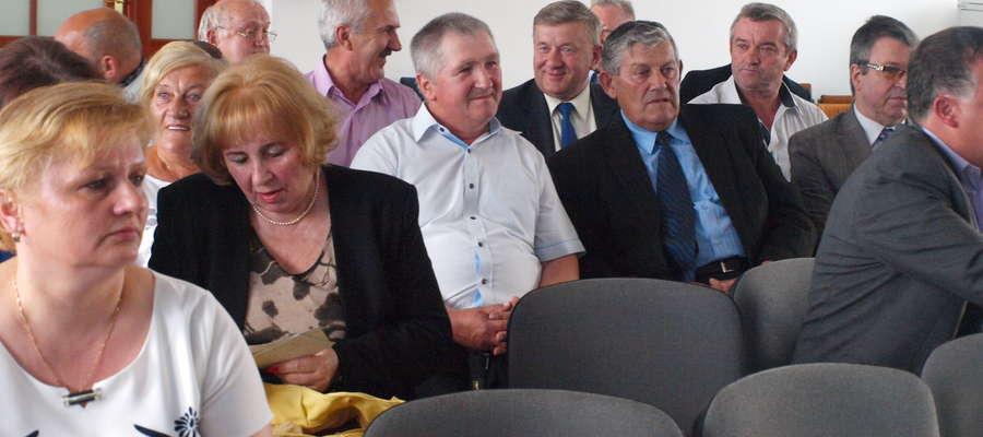 W Urzędzie Gminy spotkali się byli i obecni samorządowcy