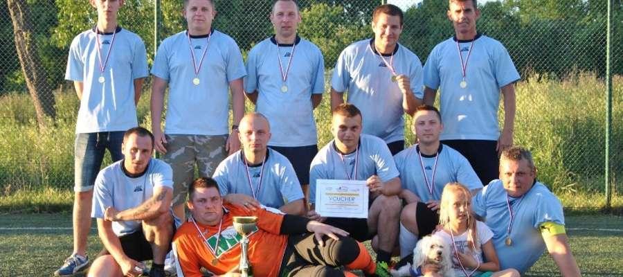 Dekada 70 nowym mistrzem w Orzyskiej Lidze Piłki Nożnej.