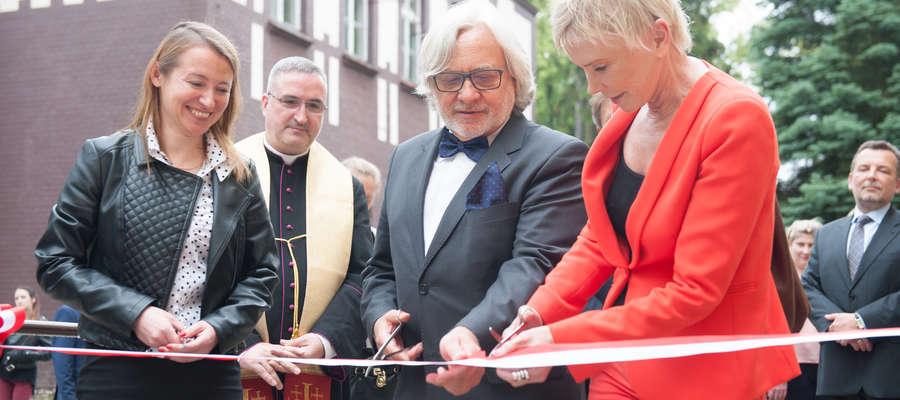 Ewa Błaszczyk i prof. Wojciech Maksymowicz otwierają nowe Laboratorium Medycyny Regeneracyjnej
