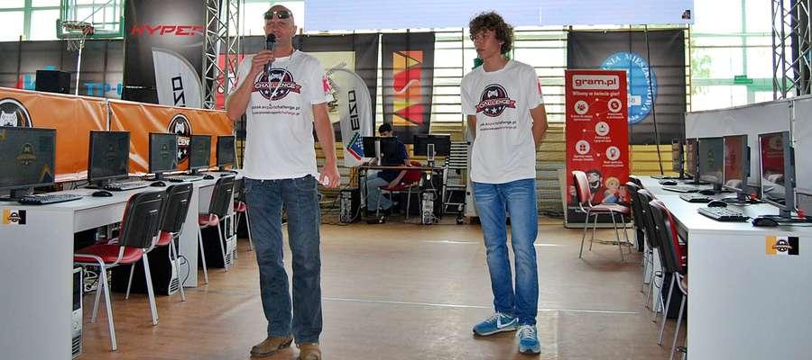 Grzegorz Nalborski i Kuba Szymańczyk tuż przed startem imprezy w Sochocinie