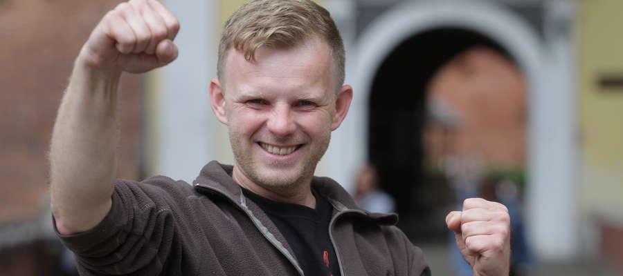 """Witold Młynarczyk pierwszy raz oddał krew jeszcze w szkole. Teraz przeczytał o naszym Klubie Dawców Krwi w """"Gazecie Olsztyńskiej"""" i uznał, że warto dołączyć do tego grona."""