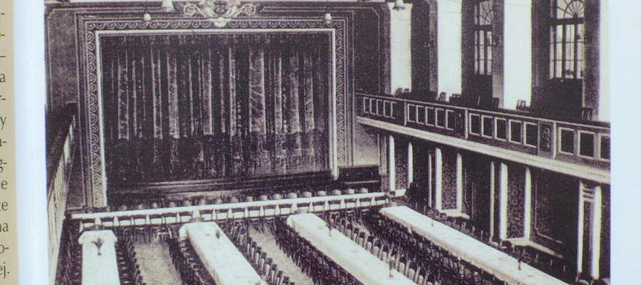 W latach 30. XX wieku organizowano w kinie uroczystości państwowe, miejskie, rauty i spotkania. Mogło w nich uczestniczyć /było ciasno!!!/ prawie tysiąc osób