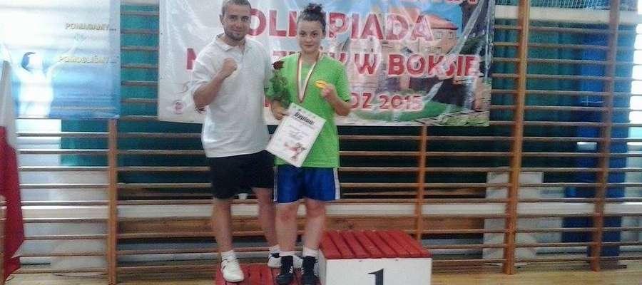 Na zdjęciu od lewej : trener Kamil Stemplewski, Natalia Winiczeńko.