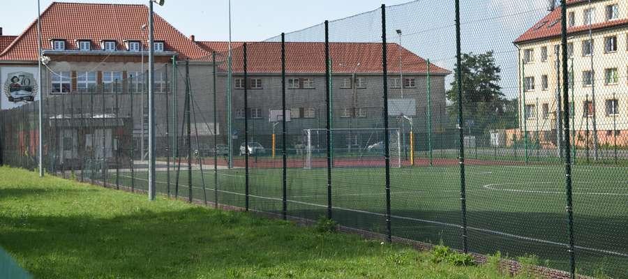 Toksyczny kadm na Orlikach. Czy nidzickie boiska są bezpieczne?