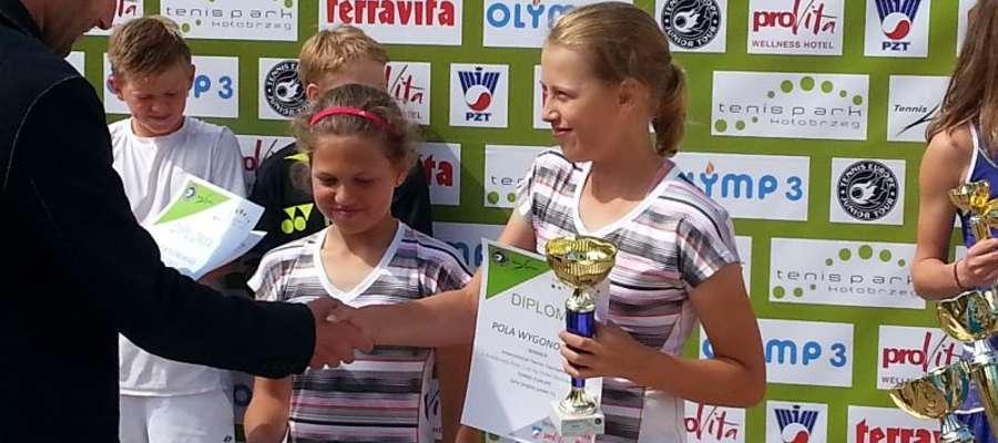 Pola Wygonowska (z prawej) w kategorii do lat 12 w Polsce nie ma sobie równych
