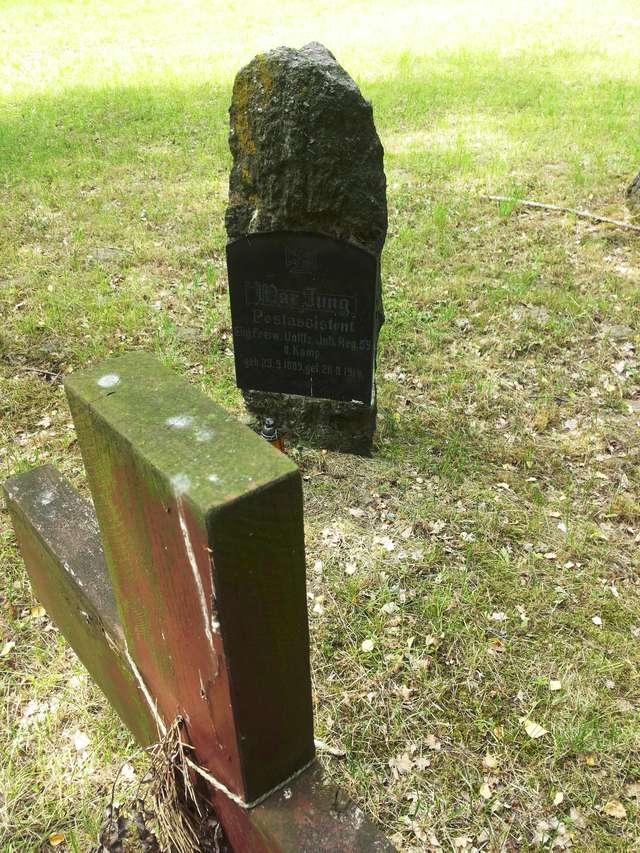 Waplewo: Cmentarz wojenny - full image