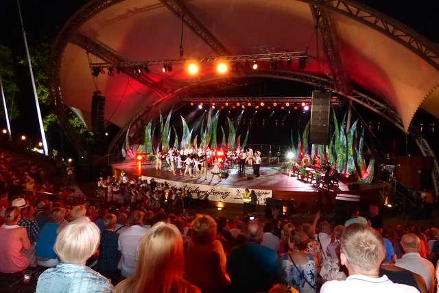 21. Festiwal Kultury Kresowej  - Koncert Galowy - full image