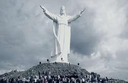 Za 35 milionów złotych można... wybudować 6 pomników Świebodzińskiego Jezusa
